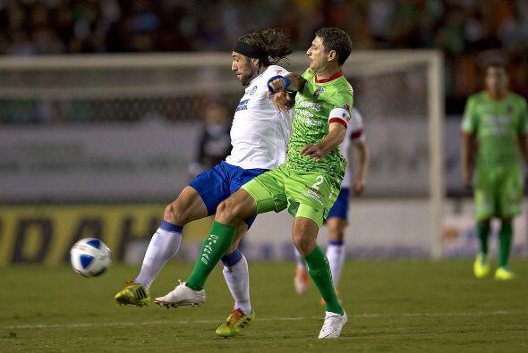 Mariano Pavone se perdió un par de goles cantados y parecía dejar pasar...
