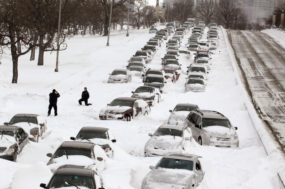 Consejos para manejar en nieve y hielo GettyImages-108758595 (1).jpg