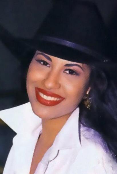 Selena, igual que Jenni, murió trágicamente a los 23 años.