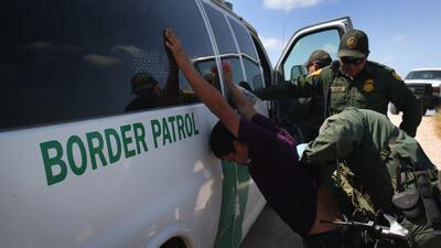 Menores siguen siendo detenidos diariamente en la frontera de Texas, New...
