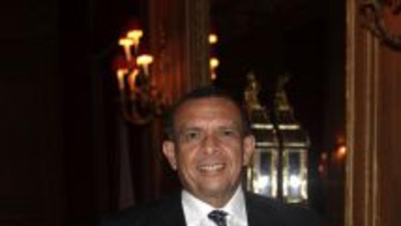El presidente Porfirio Lobo instó a sus compatriotas a construir ciudade...