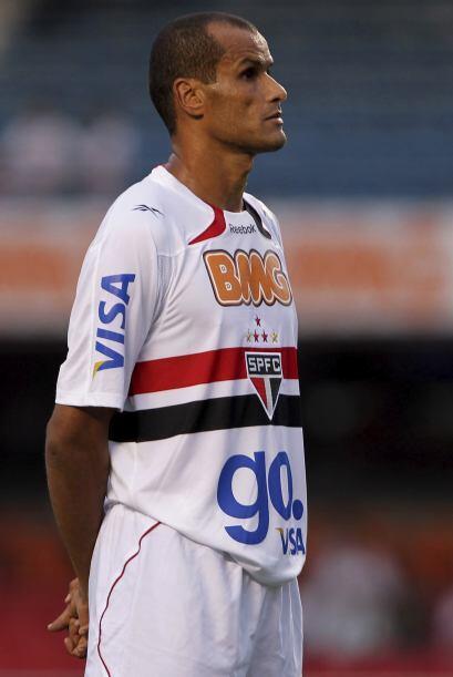 Rivaldo está a préstamo hasta el final del 2011 tras ser liberado por el...