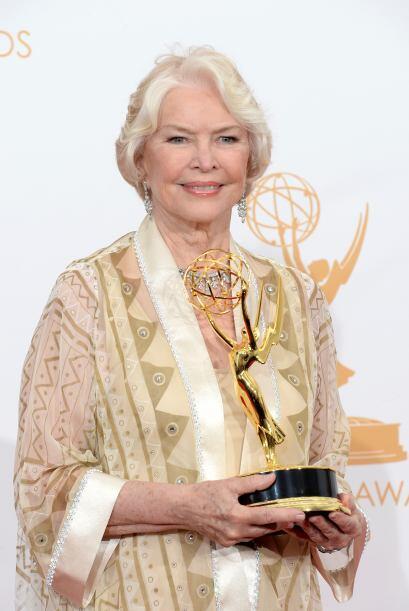 La legendaria Ellen Burstyn triunfó por mejor actriz de reparto en minis...
