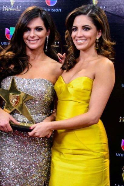 Pamela Silva-Conde estuvo radiante de amarillo.