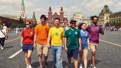 La 'bandera arcoíris oculta' que recorrió Rusia durante el Mundial en protesta contra la homofobia