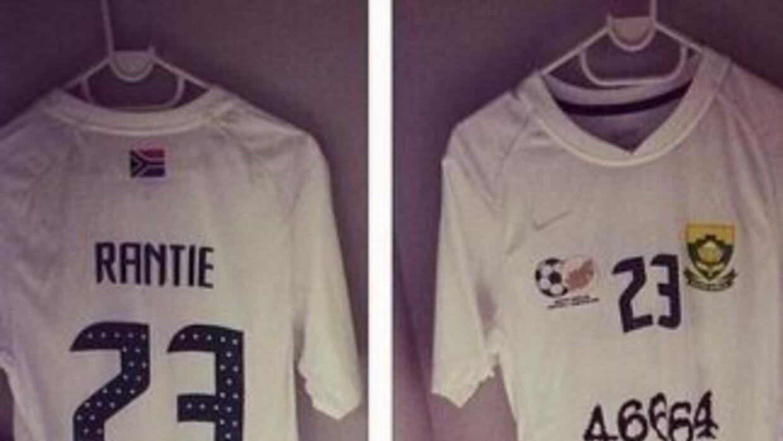 Este fue el jersey que utilizó la selección de Sudáfrica. (Foto: Twitter)