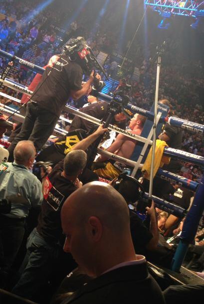 La pelea fue televisada, así el público pudo disfrutar de este encuentro.