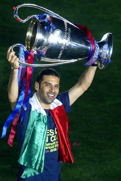 El defensa Rafael Márquez se convirtió en el primer mexicano en ganar es...