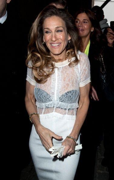 Otra 'celebrity' que también se anima a enseñar, solo con prendas transp...