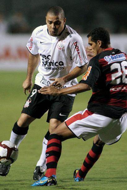 A pesar de los pesares Ronaldo y su Corinthians llegaron a pelear el t&i...