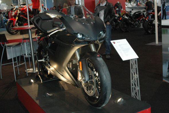 Otro de los modelos que llamó la atención en el stand de Ducati fue la E...