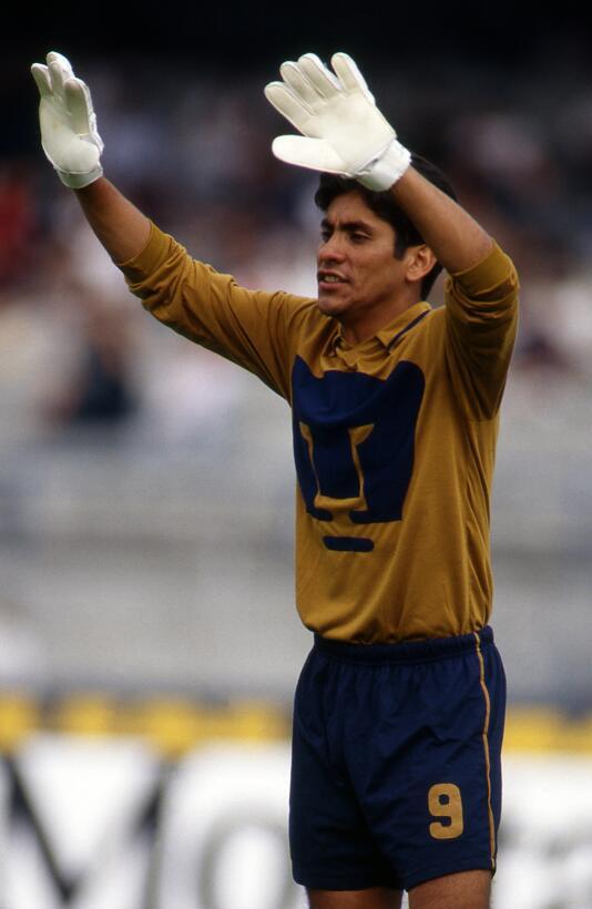 Jorge Campos - el 'Chapulín' tuvo cuatro etapas con los Pumas, e...