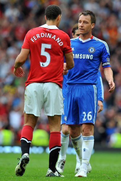 Pero no faltaron las felicitaciones entre Ferdinand y Terry, compañeros...