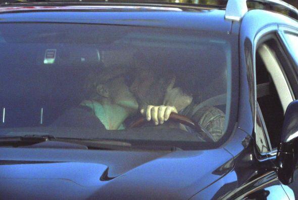 Charlize Theron y Sean Penn no pueden aparecer en público sin que una ma...