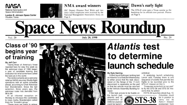 El periódico interno de la NASA en el que se anunció que Ellen Ochoa est...