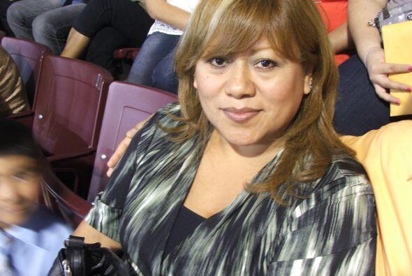 Ortencia Tellez  Esta ama de casa es de origen mexicano y tiene un hijo....