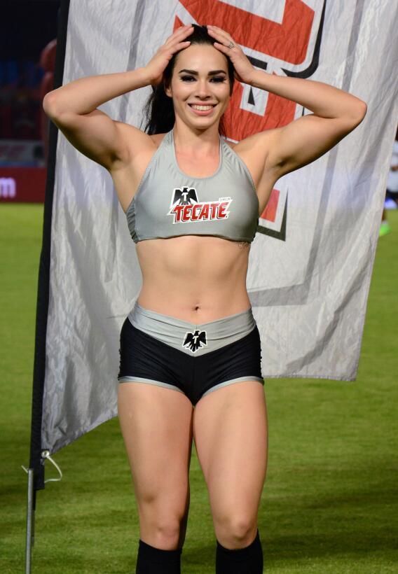 La belleza de la Liga MX presente en la Jornada 10 20170411_2836.jpg