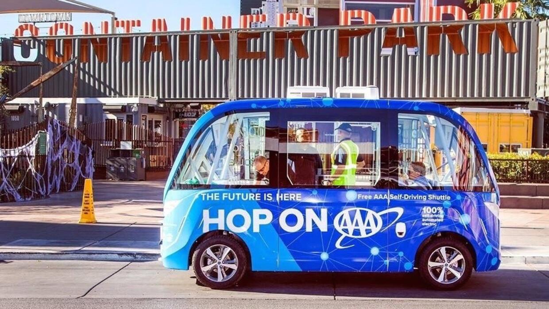 Los servicios del autobús autónomo son prestados de materia gratuita en...