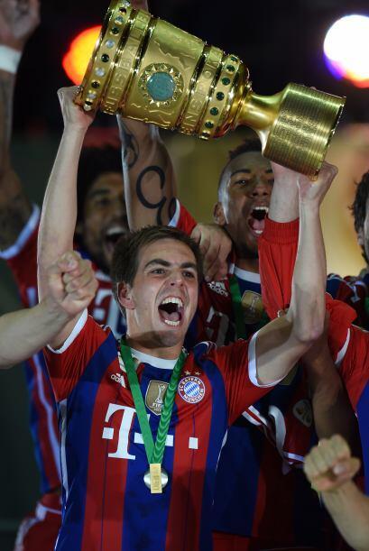 Lahm tuvo el honor de levantar la Copa del Mundo tras ganar el Mundial c...