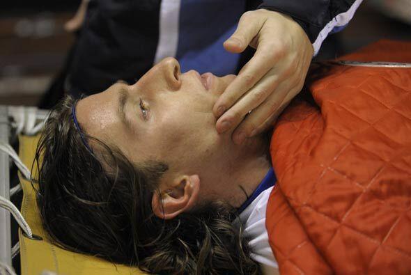 Filipe Luis fue trasladado a un hospital, donde diagnosticaron rutura y...