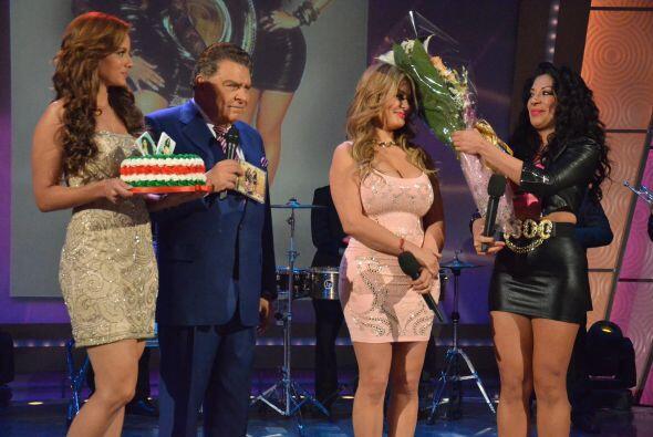 Marisol también fue parte de la fiesta y le tocó recibir un lindo zape.