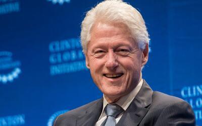 El expresidente Bill Clinton participa en la cumbre de alcaldes en Miami
