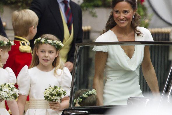 Es común que las novias elijan damas de honor, ya sean pequeñas o grande...