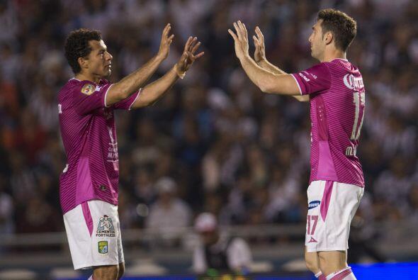Jugó todo el partido, tiró cuatro veces a gol (una tercera parte de los...