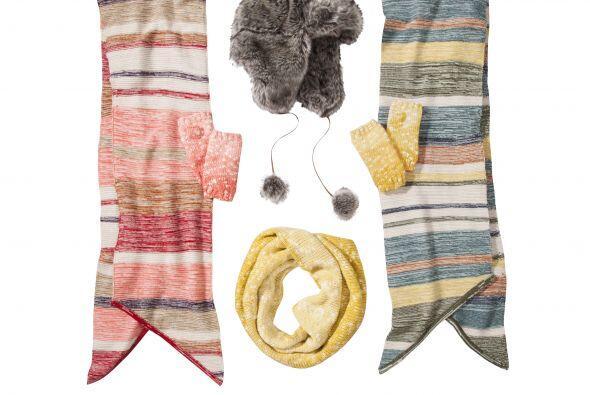 Para mantener el calor en esta fría época un par bufandas...