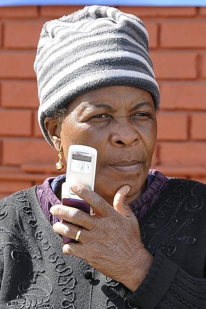 Los teléfonos inteligentes han ganado adeptos gracias a la mensajería in...