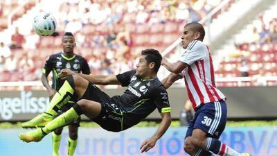 Chivas llega a Torreón luego de ganar su último partido con un penal dud...