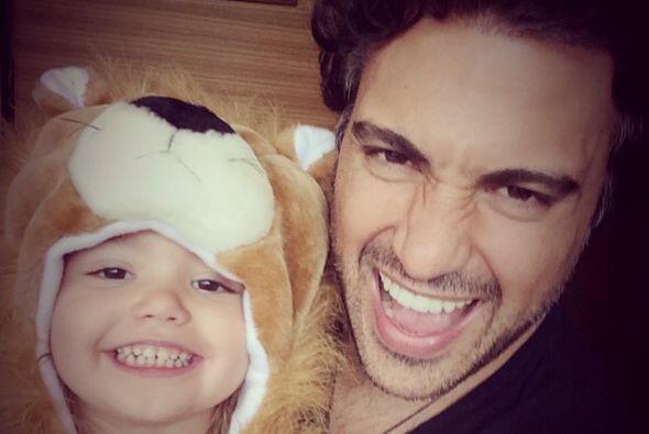 Jaime Camil celebra su cumpleaños enamoradísimo de su hija Elena.