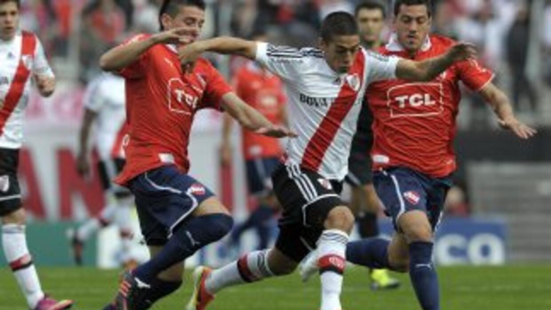 River Plate derrotó a Independiente por 2-1 y dejó a los 'Diablos Rojos'...