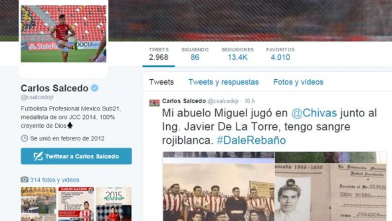 Salcedo no tardó en mandar un 'tweet' donde mostró la foto con documento...