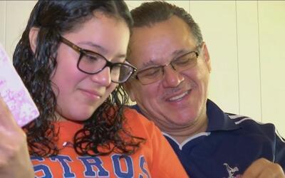 Salvadoreño que citó su religión para no ser deportado logra aplazar su...