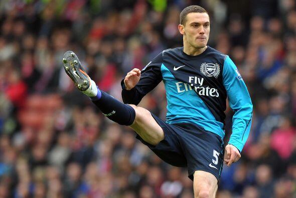 Thomas Vermaelen del Arsenal. Este belga formado en las inferiores del A...