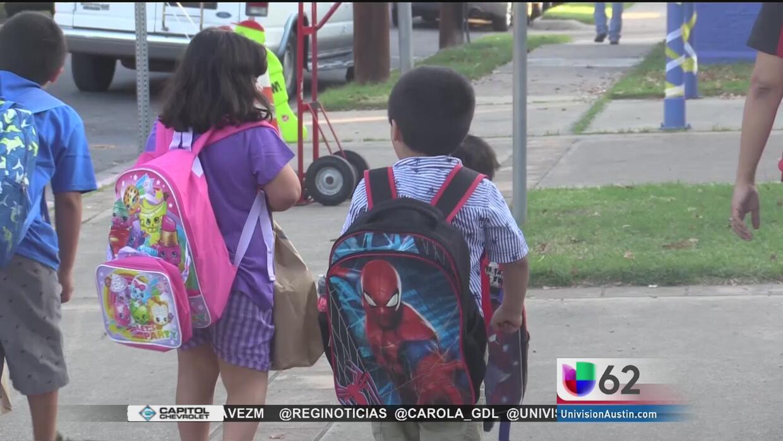 Más de 80,000 niños regresan a clases en Austin