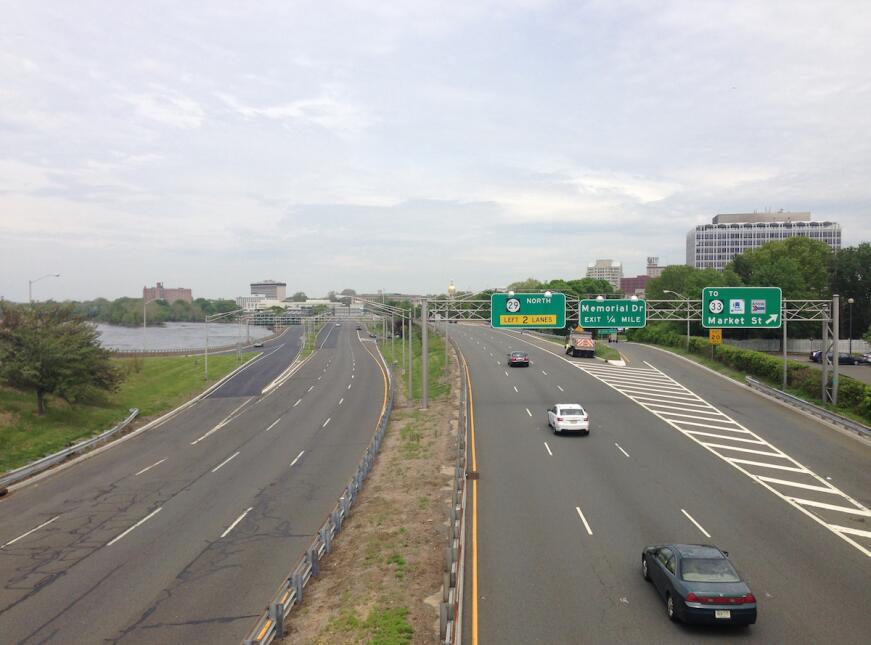La Ruta 29 en Trenton, Nueva Jersey, Su construcción destruyó vecindario...