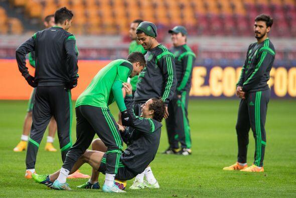 Giovani Dos Santos y Andrés Guardado se divirtieron a lo grande en el en...