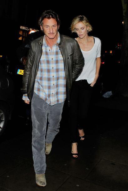 La relación de Charlize y Sean sigue mostrando que es fuerte y seria, ah...