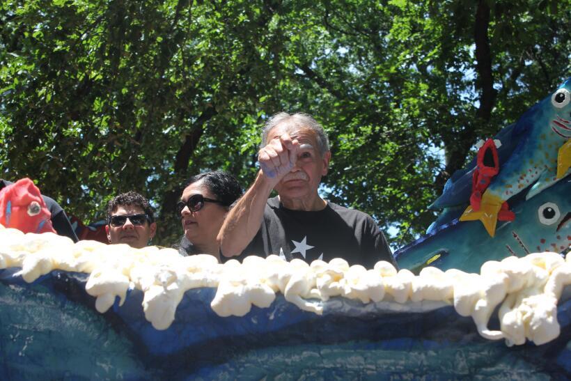 Óscar López Rivera marca el Desfile Puertorriqueño de Nueva York tras la...