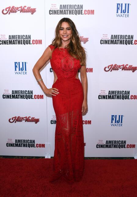 La colombiana formó parte del homenaje a su amiga Reese Witherspoon y br...