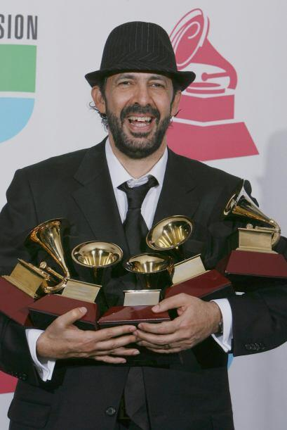 Y 2007 no fue la excepción pues este gran artista también ganó cinco Lat...