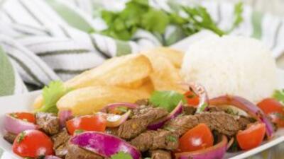 Uno de los platillos más populares de la cocina tradicional peruana, est...