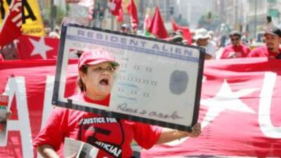 En Estados Unidos viven 11 millones de inmigrantes indocumentados que es...