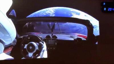 En fotos: El 'cohete más poderoso del mundo' pone un auto Tesla en órbita