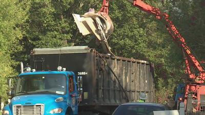 Recoger las basuras y escombros dejadas tras el paso de Harvey podría tardarse meses