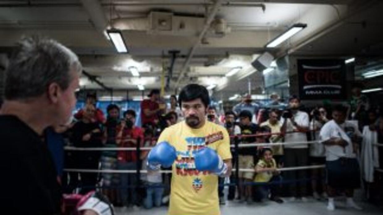 Manny Pacquiao rompió la nariz de su sparring Víctor Postol.