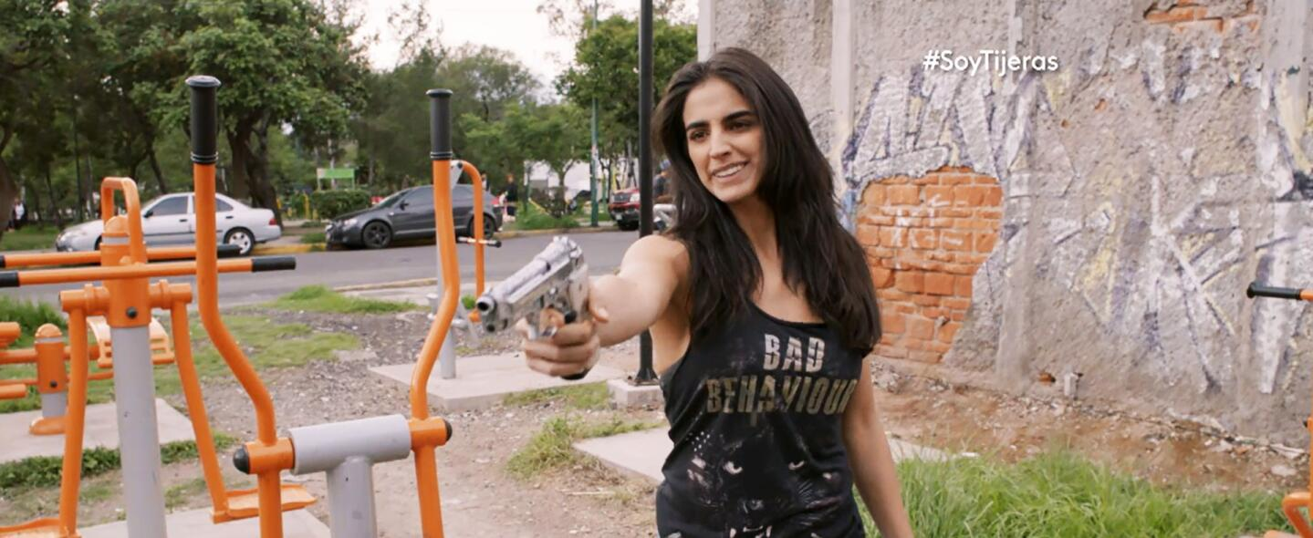Rosario Tijeras es una mujer letal.
