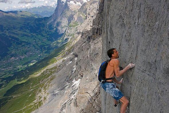 El escalador Dean Potter y otro compañero han muerto tras intentar un sa...